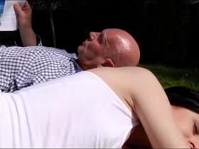 Daniela Rose takes old man Hugo's whole load
